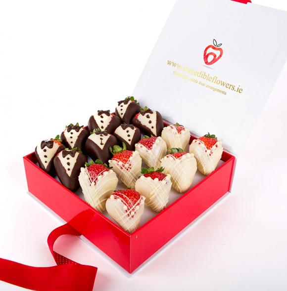 Bride and Groom Berry box